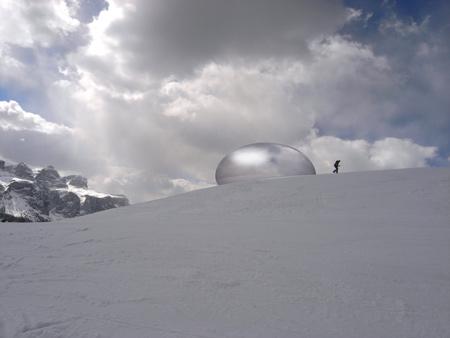 alpine-capsule-by-studio-lovegrove